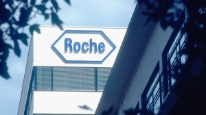Roche's Tecentriq combo extends life in advanced NSCLC