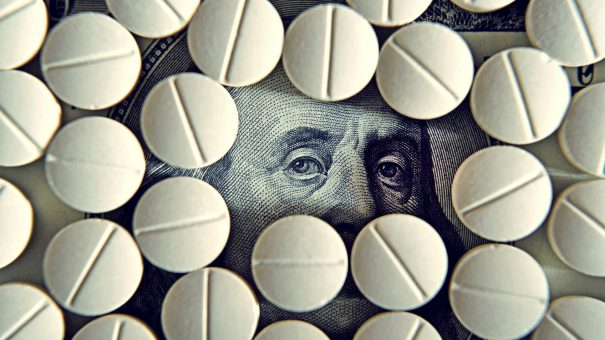 Facing opioid liability risk, Mallinckrodt stalls generics split