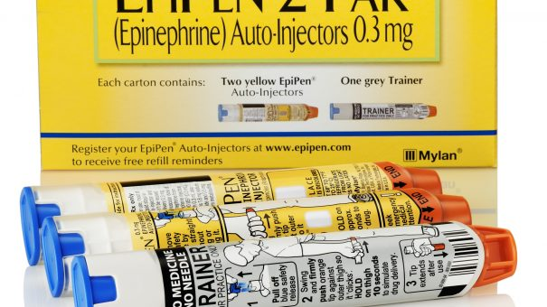 Mylan responds to price backlash with generic EpiPen