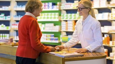 Government pushes on with pharmacy funding cuts