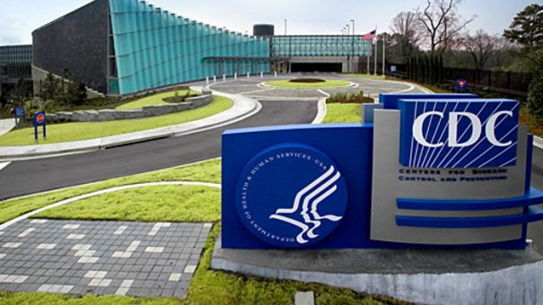 CDC overrules its advisors, backing COVID booster for health workers